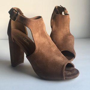 Bella Marie Suede Brown Heels!